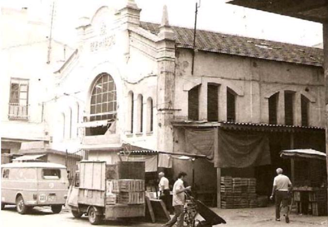 plaza abastos con actividad 1977