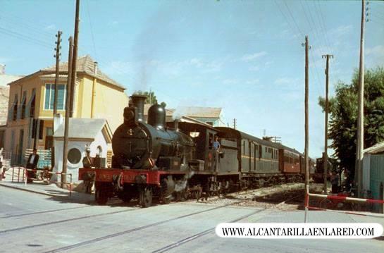 tren-pasando-alcantarilla-1966-autor-tony-bowles